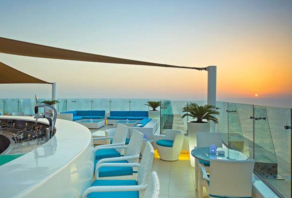 Pure-Sky-Lounge