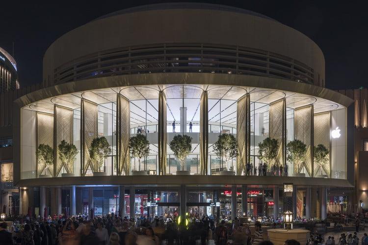 Apple, mall of Emirates Dubai