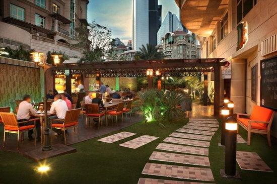 double-decker-restaurant