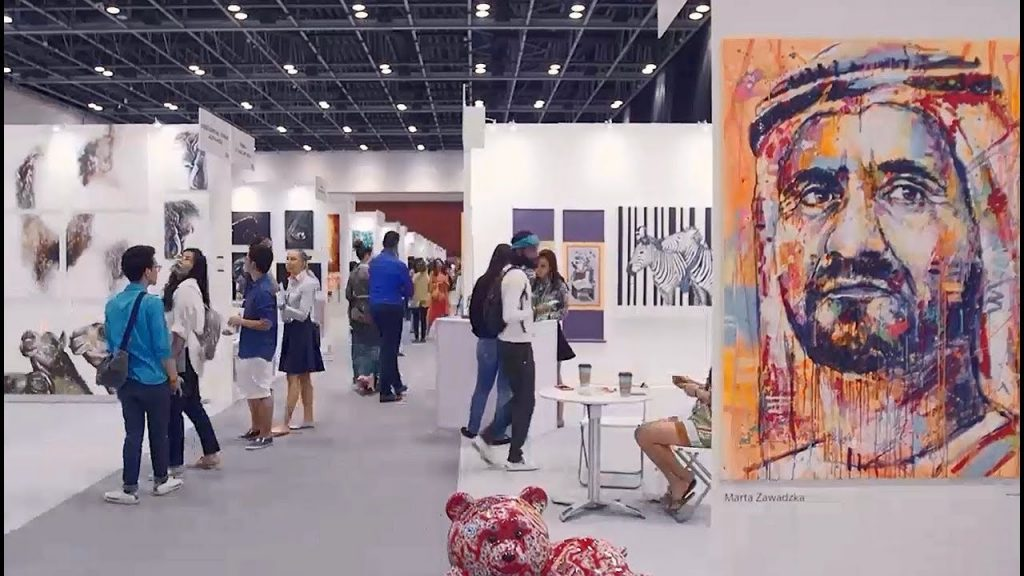 Enjoy art At Dubai