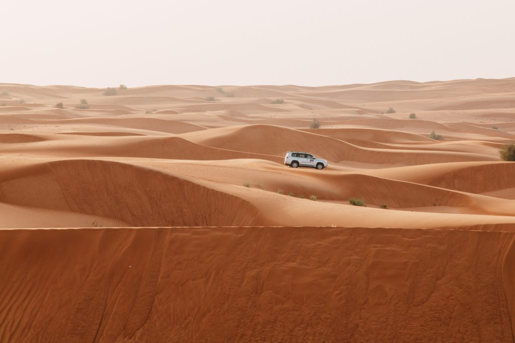 what to expect on a jeep safari in dubai. Black Bedroom Furniture Sets. Home Design Ideas