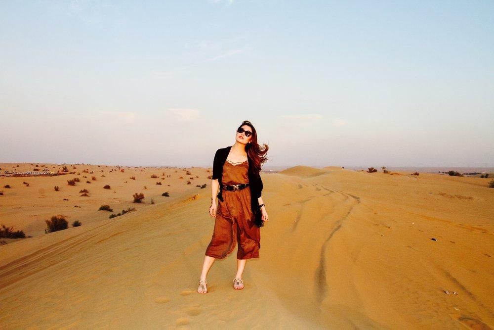 2019 year for women- Safari desert dubai what to wear