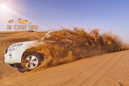 Desert-Safari-Dubai-in-Land-Cruiser