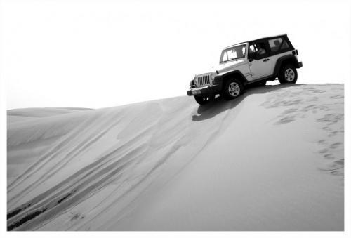 Jeep-in-open-desert