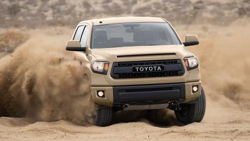 desert-safari-in-Toyota-Sequoia (1)