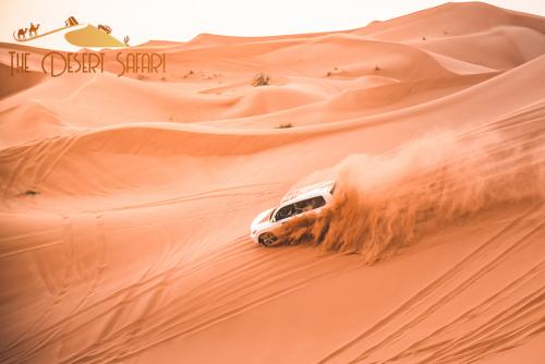 dune-bashing-during-desert-safari-tour