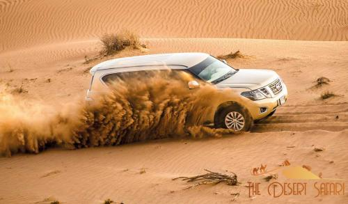 dune-bashing-in-dubai-desert-in-nissan-patrol