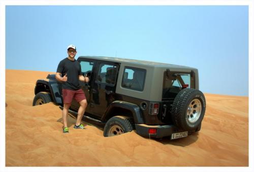 jeep-stuck-in-dunes