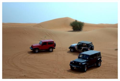 jeeps-in-dubai-desert