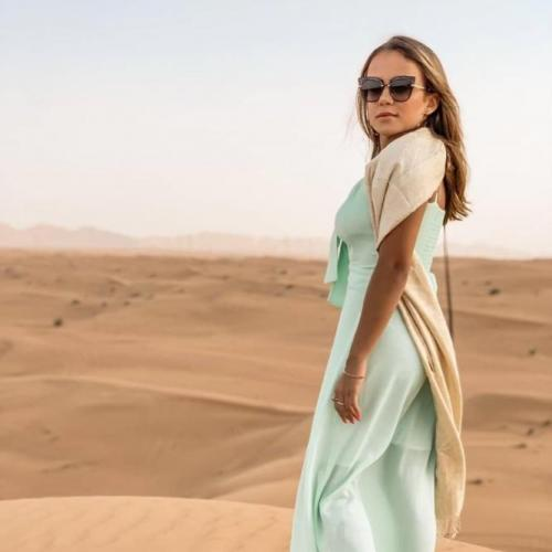 Model in Dubai Desert With TDS